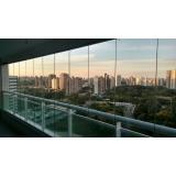 cortina em vidro deslizante para apartamento